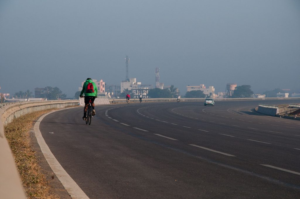 The participants are seen as they head towards the finishing point.