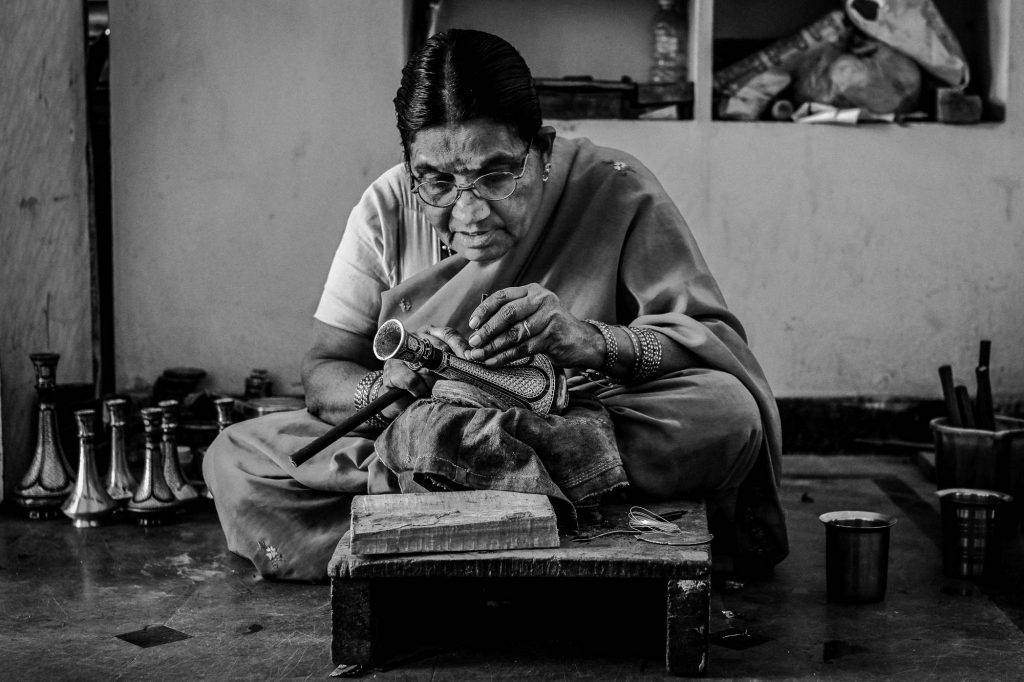 Lakshmi Amma is one of the veteran artisans from the local community